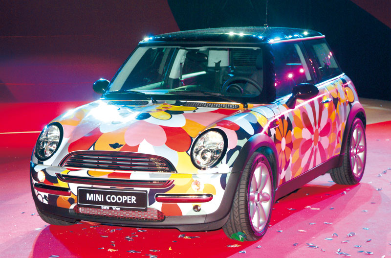 Art car Mini diseño del artista Missoni