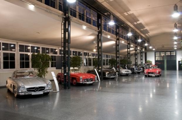Mercedes classic center stuttgart servicios y recambios for Mercedes benz classics center